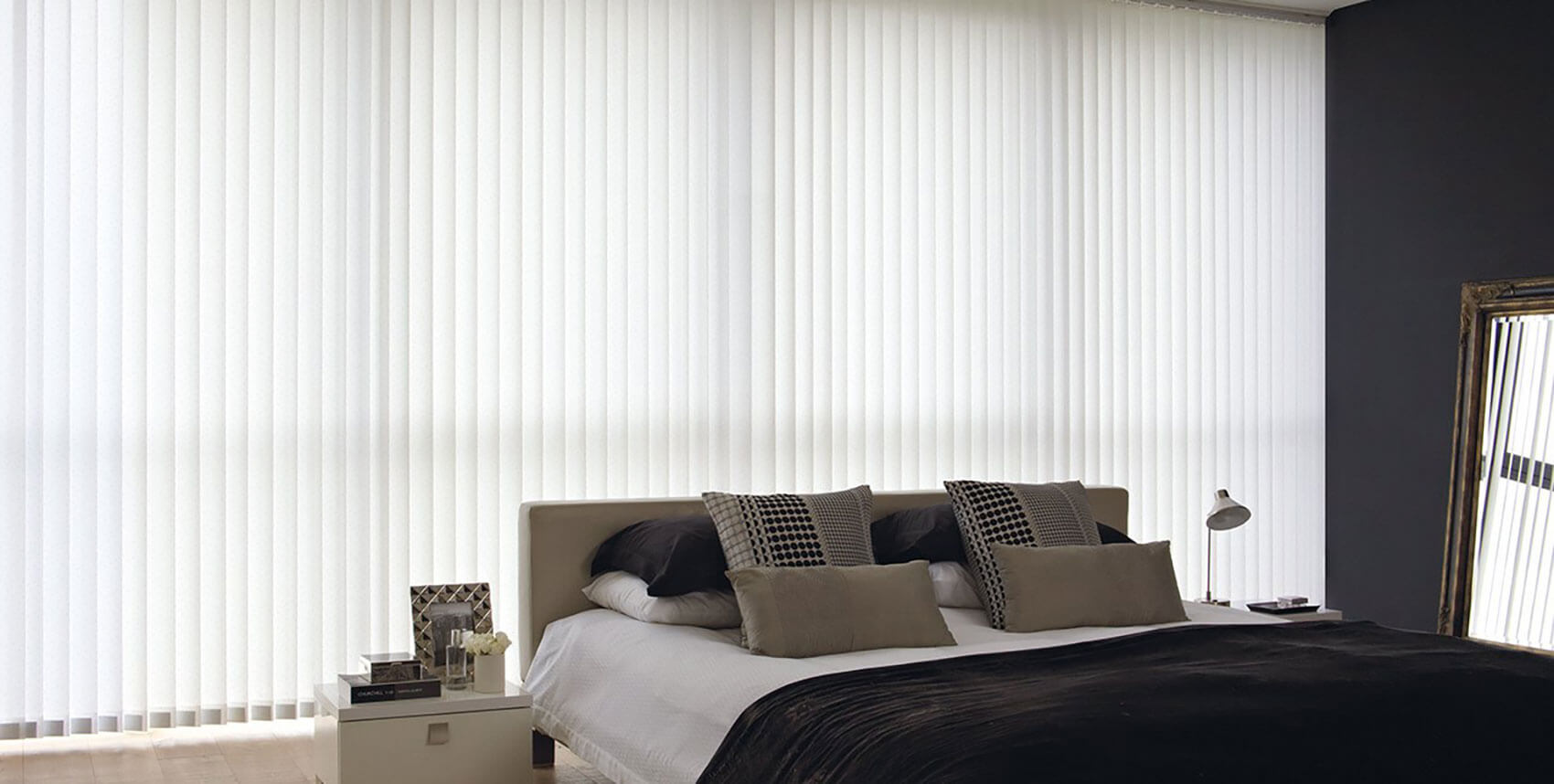 Rustica White | Vertical Blind