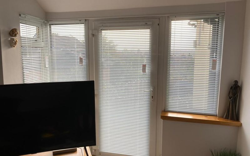 Aluminium blinds white